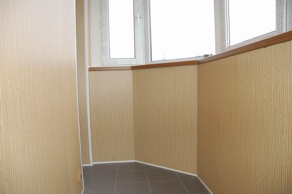 Теплое остекление балконов и лоджий под ключ по выгодной цен.