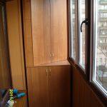 фото встроенной на балкон мебели