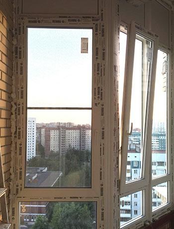 фото выплненных работ остекления балкона или лоджии