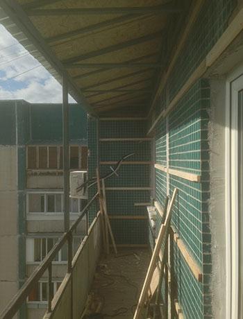 пр. Большевиков - фото балкона до отделки