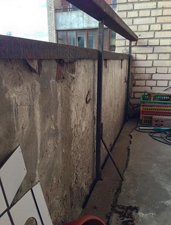 ул. Есенина - фото балкона до отделки