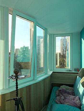 пр. Энгельса - фото балкона до отделки